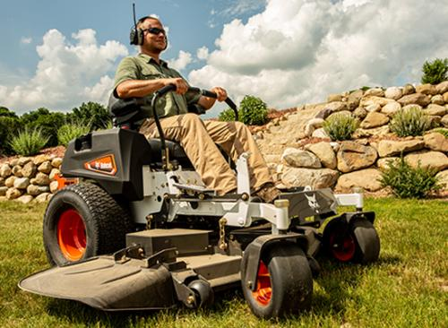 Bobcat ZT3500 action side