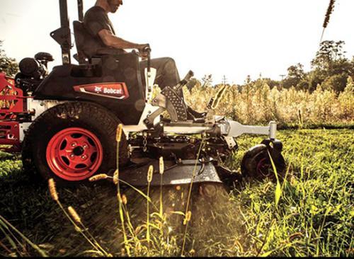 Bobcat ZT7000 action grass